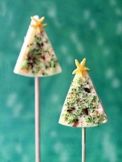 Pino navideño de queso. Aperitivo para los niños