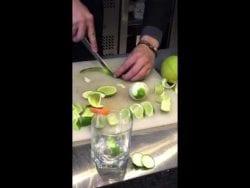 Corte de frutas para cocteles