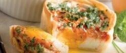 Huevos-con-tomate-en-molde.